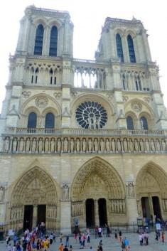 Cathedrale-Notre-Dame-Paris-466x700
